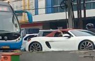 Mobil Mewah Masuk Busway Dicari Polisi