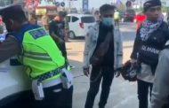 Pemudik Mendadak Kesurupan Saat Diminta Putar Balik Polisi
