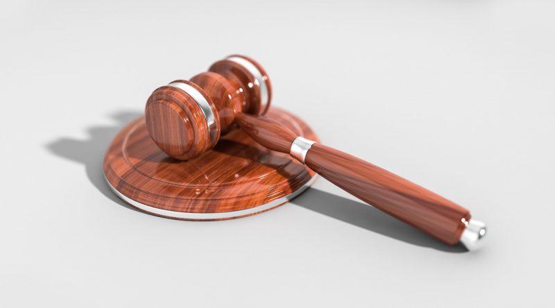 Arti Konstitusi, Pelanggaran dan Konsekuensi: Berhenti atau Diberhentikan
